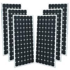 پنل خورشیدی منو کریستال پربازده ترین پنل تولید شده می باشد و دلیل بازده بالای آن هم چینش منظم و دقیق تر کریستال های سیلیکون آن ها می باشد ، البته قیمت پنل های مونو کریستال بیشتر   می باشند ولی باتوجه به بازده بالای آن ها این مسلئه توجیه اقتصادی پیدا می کند.